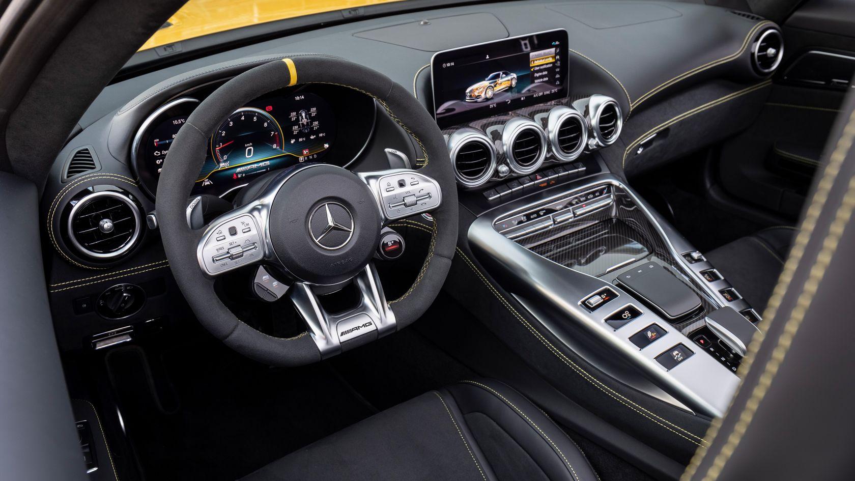 Mercedes-AMG GT Roadster Interior 02