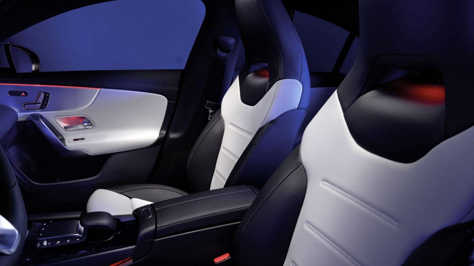 Mercedes-Benz CLA Coupé Interior Asientos 01