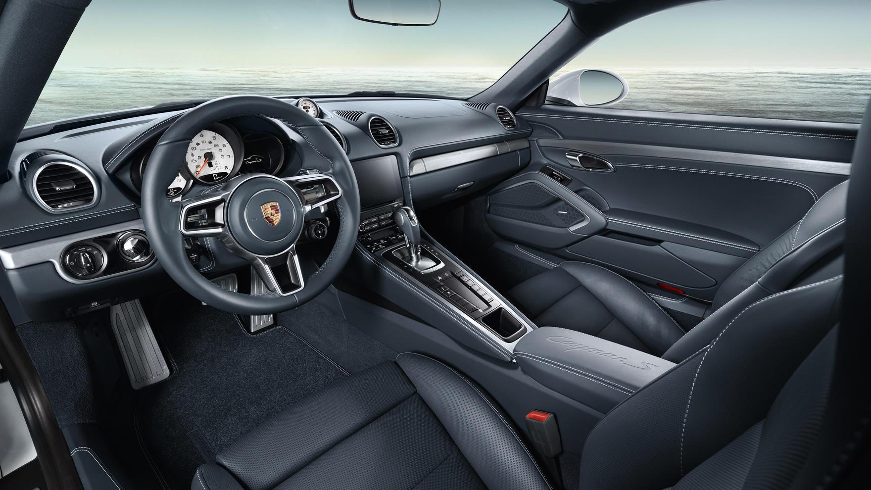 Porsche 718 Cayman S Interior 02