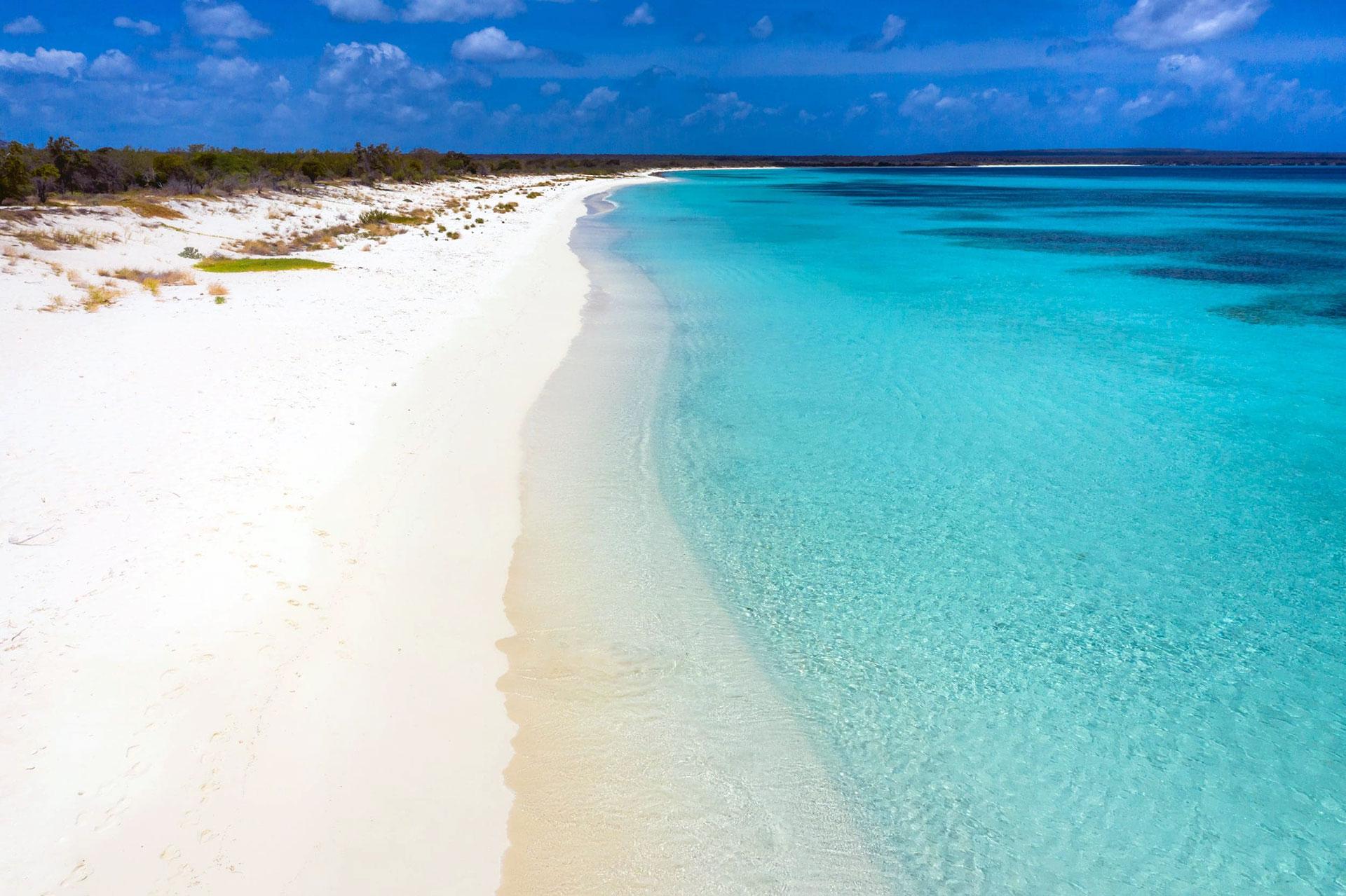 Playa Bahía de Las Águilas